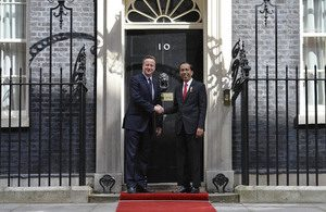David Cameron welcomes President Jokowi of Indonesia to Downing Street. During his visit the Prime Minister and President hold a bilateral meeting and a working lunch.